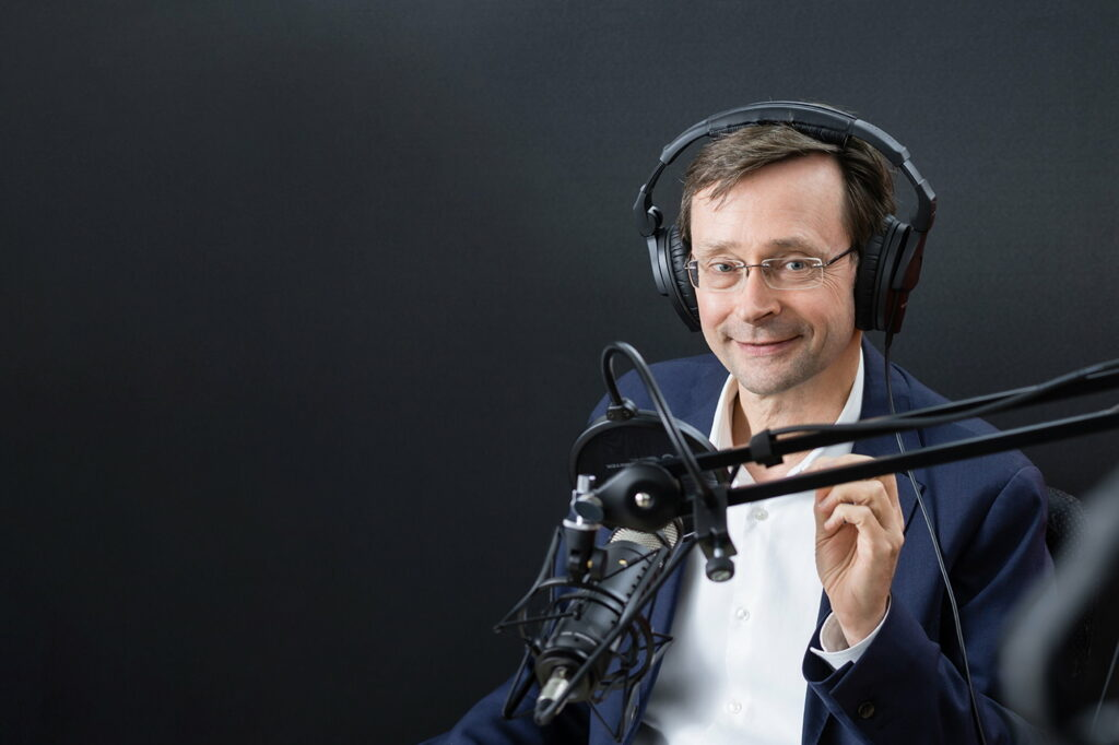 Podcast-2000×1333